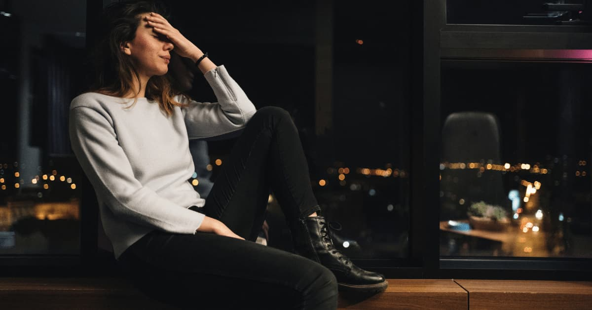 CBT emphasizes the importance ofpast negative social experiences, which trigger negative thoughts when similar situations arise.